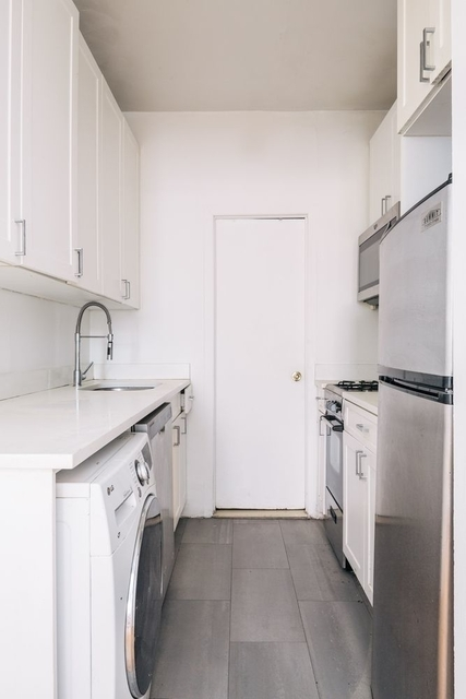 2 Bedrooms, Upper East Side Rental in NYC for $3,325 - Photo 2