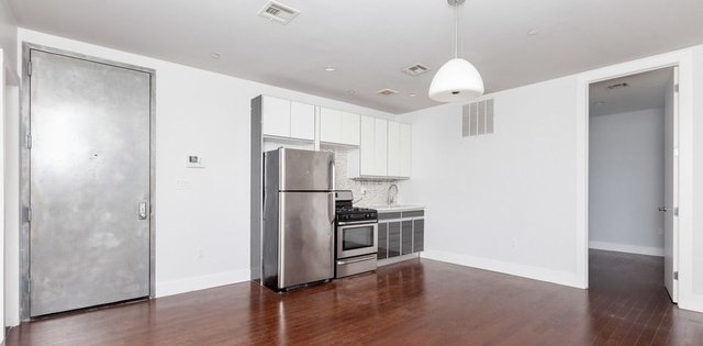 3 Bedrooms, Bushwick Rental in NYC for $3,300 - Photo 1