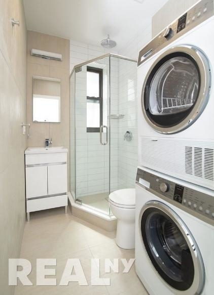 2 Bedrooms, SoHo Rental in NYC for $4,996 - Photo 1