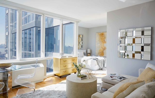 Studio, Hell's Kitchen Rental in NYC for $3,980 - Photo 2