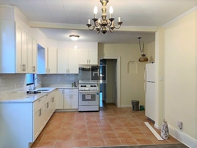 3 Bedrooms, Bay Ridge Rental in NYC for $2,400 - Photo 1