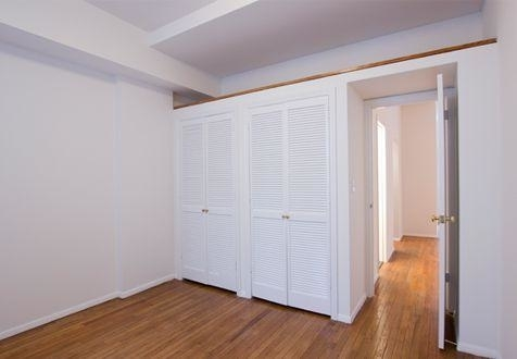 3 Bedrooms, Yorkville Rental in NYC for $3,795 - Photo 2
