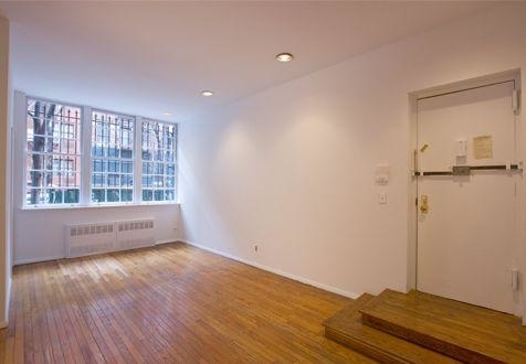 3 Bedrooms, Yorkville Rental in NYC for $3,795 - Photo 1