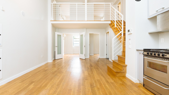 4 Bedrooms, Greenpoint Rental in NYC for $4,900 - Photo 2