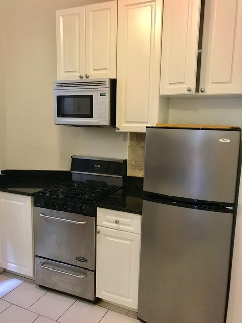 2 Bedrooms, Upper West Side Rental in NYC for $3,300 - Photo 2