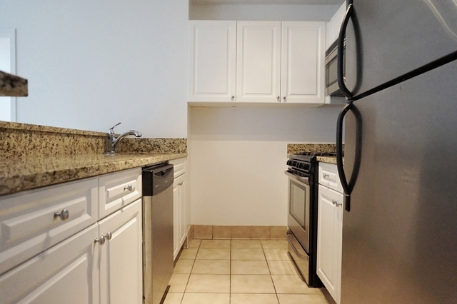 2 Bedrooms, Chelsea Rental in NYC for $5,650 - Photo 2
