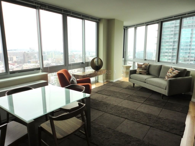 2 Bedrooms, Hunters Point Rental in NYC for $4,200 - Photo 2