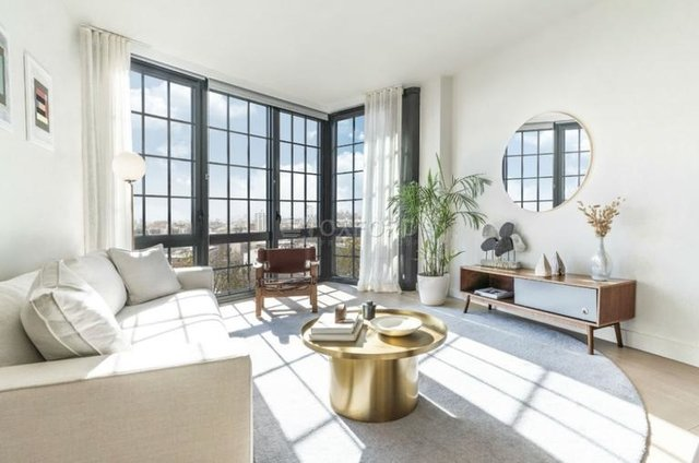 2 Bedrooms, Greenpoint Rental in NYC for $5,400 - Photo 1