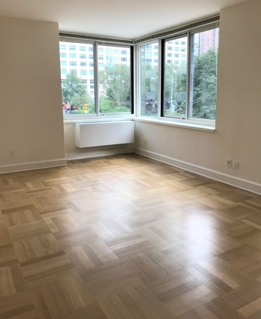 1 Bedroom, Lincoln Square Rental in NYC for $6,696 - Photo 2