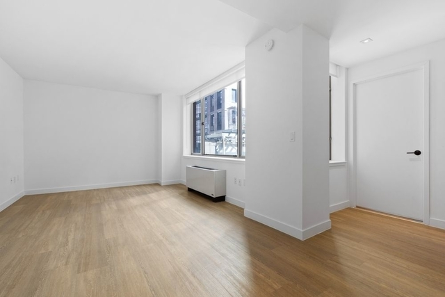 2 Bedrooms, Financial District Rental in NYC for $5,095 - Photo 2