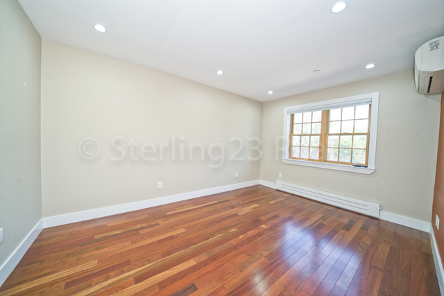 2 Bedrooms, Steinway Rental in NYC for $2,999 - Photo 2