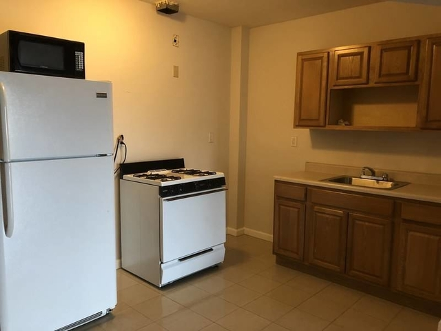Room, East Harlem Rental in NYC for $975 - Photo 2