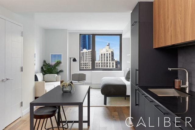 Studio, Hell's Kitchen Rental in NYC for $3,159 - Photo 2