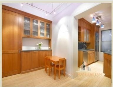 3 Bedrooms, Carnegie Hill Rental in NYC for $8,000 - Photo 2