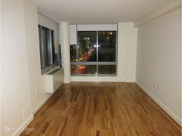 3 Bedrooms, Alphabet City Rental in NYC for $4,745 - Photo 2
