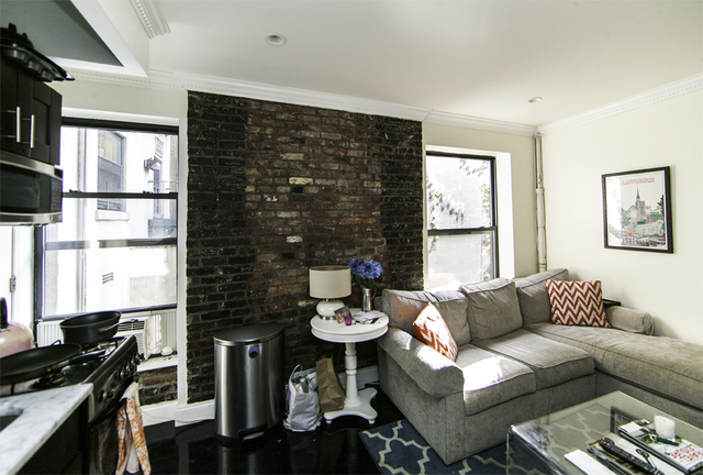3 Bedrooms, Gramercy Park Rental in NYC for $5,408 - Photo 2