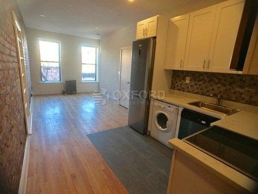 3 Bedrooms, Gramercy Park Rental in NYC for $5,750 - Photo 1
