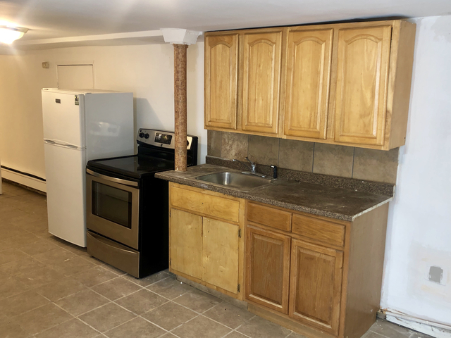 3 Bedrooms, Harding Park Rental in NYC for $1,850 - Photo 1