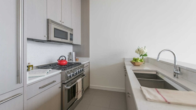 1 Bedroom, Chelsea Rental in NYC for $5,190 - Photo 2