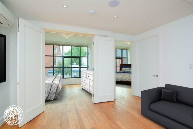 2 Bedrooms, Crown Heights Rental in NYC for $3,499 - Photo 2