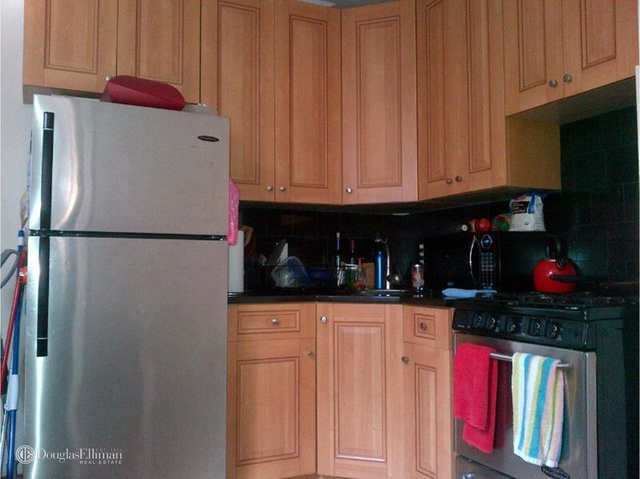 2 Bedrooms, Hell's Kitchen Rental in NYC for $2,600 - Photo 1