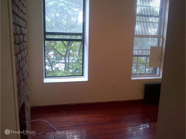 2 Bedrooms, Hell's Kitchen Rental in NYC for $2,600 - Photo 2