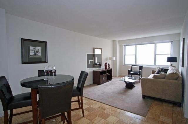 3 Bedrooms, Yorkville Rental in NYC for $6,595 - Photo 2