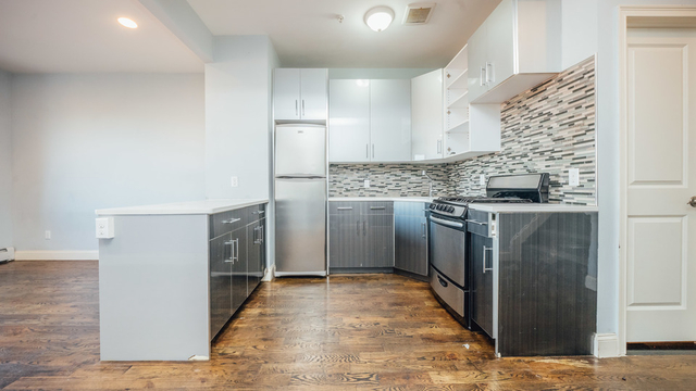 3 Bedrooms, Bushwick Rental in NYC for $3,399 - Photo 2