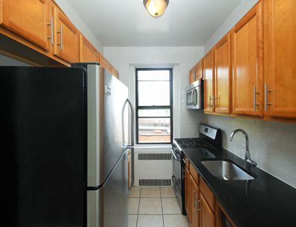 1 Bedroom, Sunnyside Rental in NYC for $2,325 - Photo 1