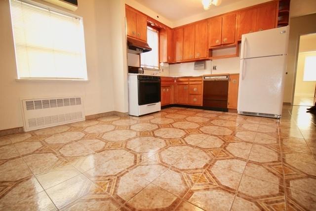 2 Bedrooms, Bensonhurst Rental in NYC for $1,895 - Photo 2
