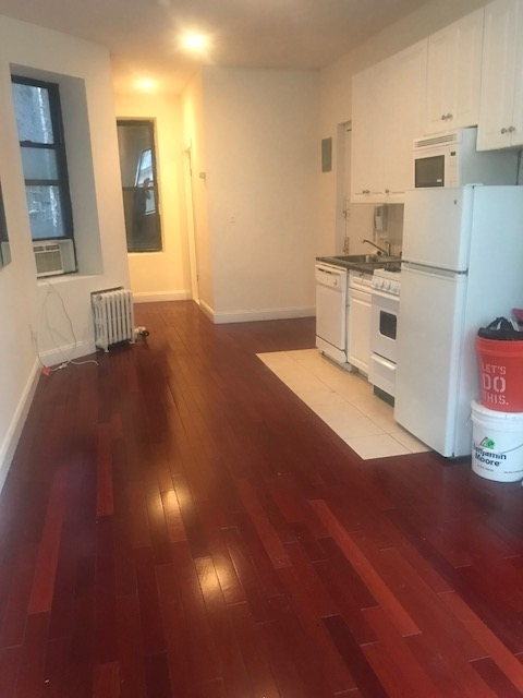 Studio, East Village Rental in NYC for $2,325 - Photo 2