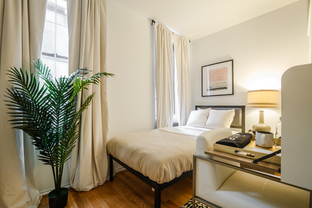 Room, Hell's Kitchen Rental in NYC for $1,850 - Photo 1