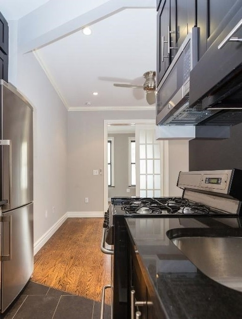 2 Bedrooms, Alphabet City Rental in NYC for $3,595 - Photo 2