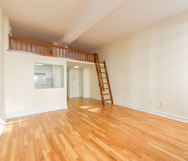 Loft, NoHo Rental in NYC for $3,000 - Photo 2
