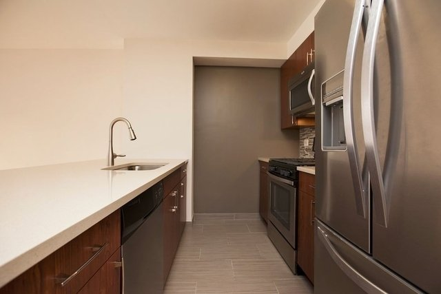 2 Bedrooms, Chelsea Rental in NYC for $6,485 - Photo 2