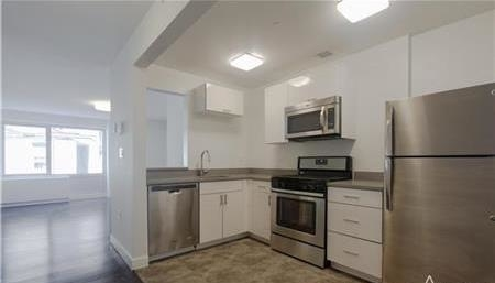 2 Bedrooms, Washington Heights Rental in NYC for $3,395 - Photo 1