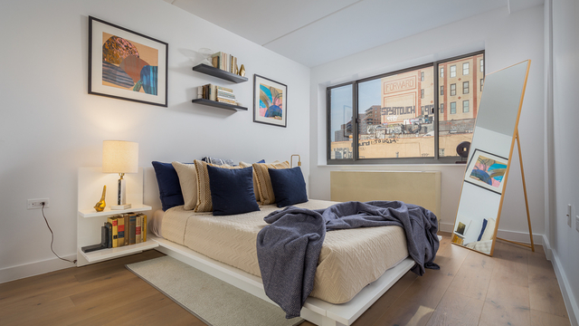 1 Bedroom, Two Bridges Rental in NYC for $4,125 - Photo 2
