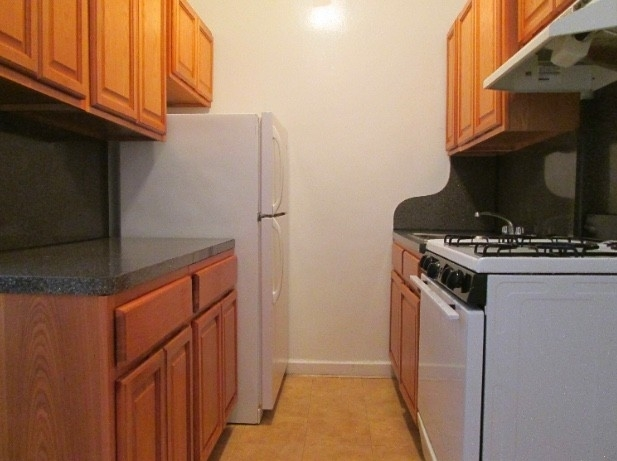 2 Bedrooms, Fort George Rental in NYC for $2,375 - Photo 2