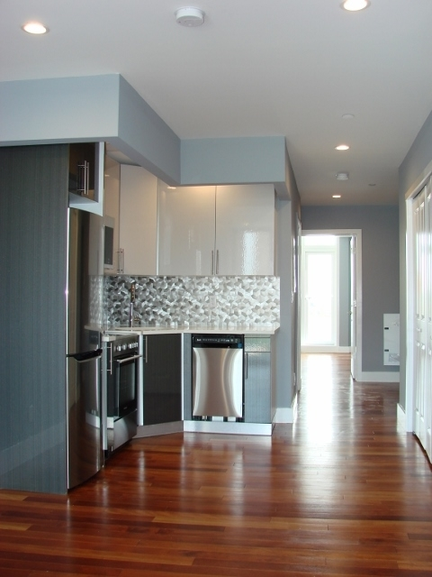 1 Bedroom, Astoria Rental in NYC for $2,750 - Photo 2