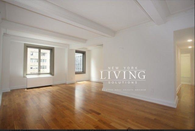 2 Bedrooms, Theater District Rental in NYC for $5,795 - Photo 2