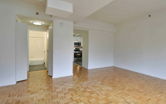 Studio, Hell's Kitchen Rental in NYC for $3,216 - Photo 2