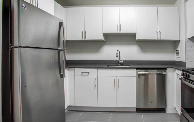 Studio, Hell's Kitchen Rental in NYC for $3,216 - Photo 1