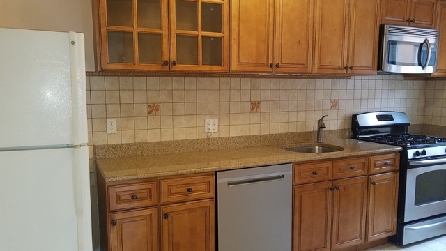 3 Bedrooms, Steinway Rental in NYC for $3,200 - Photo 1