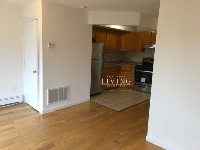 3 Bedrooms, Richmond Hill Rental in NYC for $2,000 - Photo 1