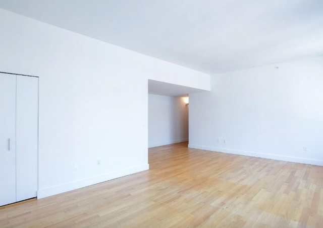 2 Bedrooms, Chelsea Rental in NYC for $5,674 - Photo 1