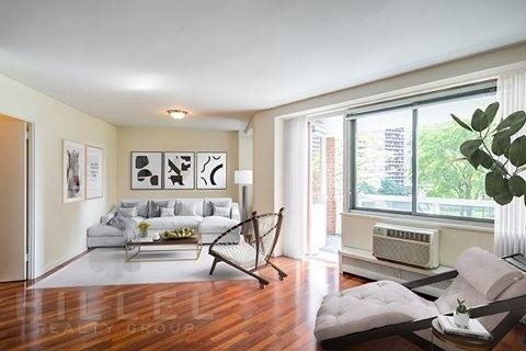 1 Bedroom, Forest Hills Rental in NYC for $3,016 - Photo 2