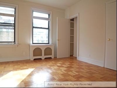 2 Bedrooms, Lincoln Square Rental in NYC for $7,800 - Photo 2