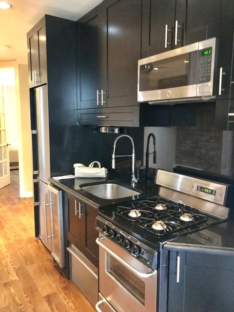 4 Bedrooms, East Village Rental in NYC for $6,115 - Photo 1
