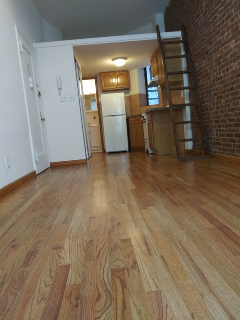 Studio, Yorkville Rental in NYC for $2,050 - Photo 2