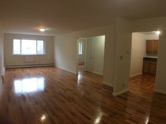 3 Bedrooms, Throgs Neck Rental in NYC for $2,095 - Photo 1
